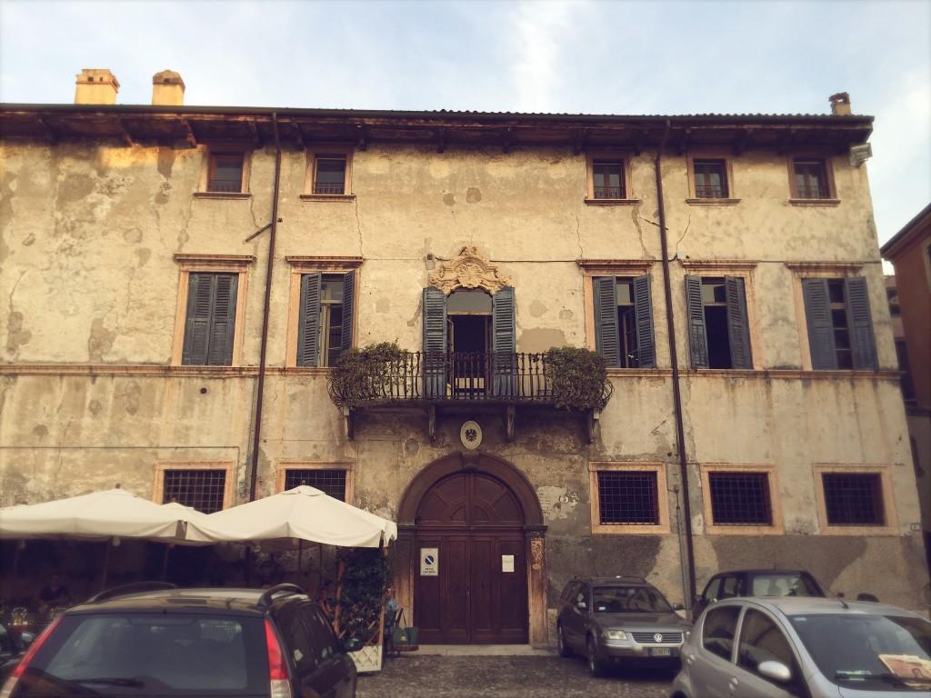 Palazzo Cerù, Verona | Julie Fahrenheit