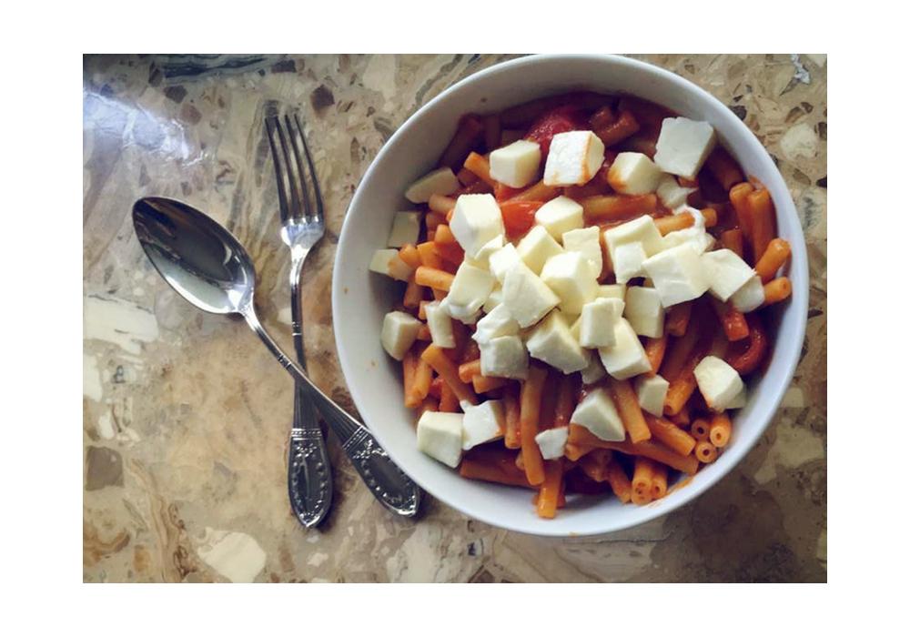 Schnelle Tomaten-Mozzarella-Makkaroni | Julie Fahrenheit