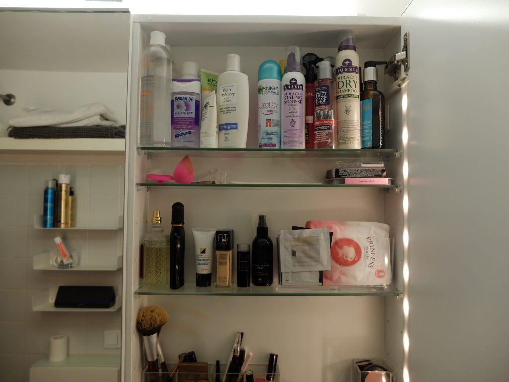 Badezimmerschrank | Julie Fahrenheit